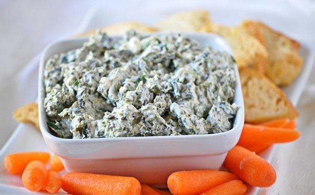 Healthy tailgate food: Spinach Dip { Holly Clegg's new cookbook give away! }