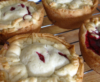 Mulberry pies
