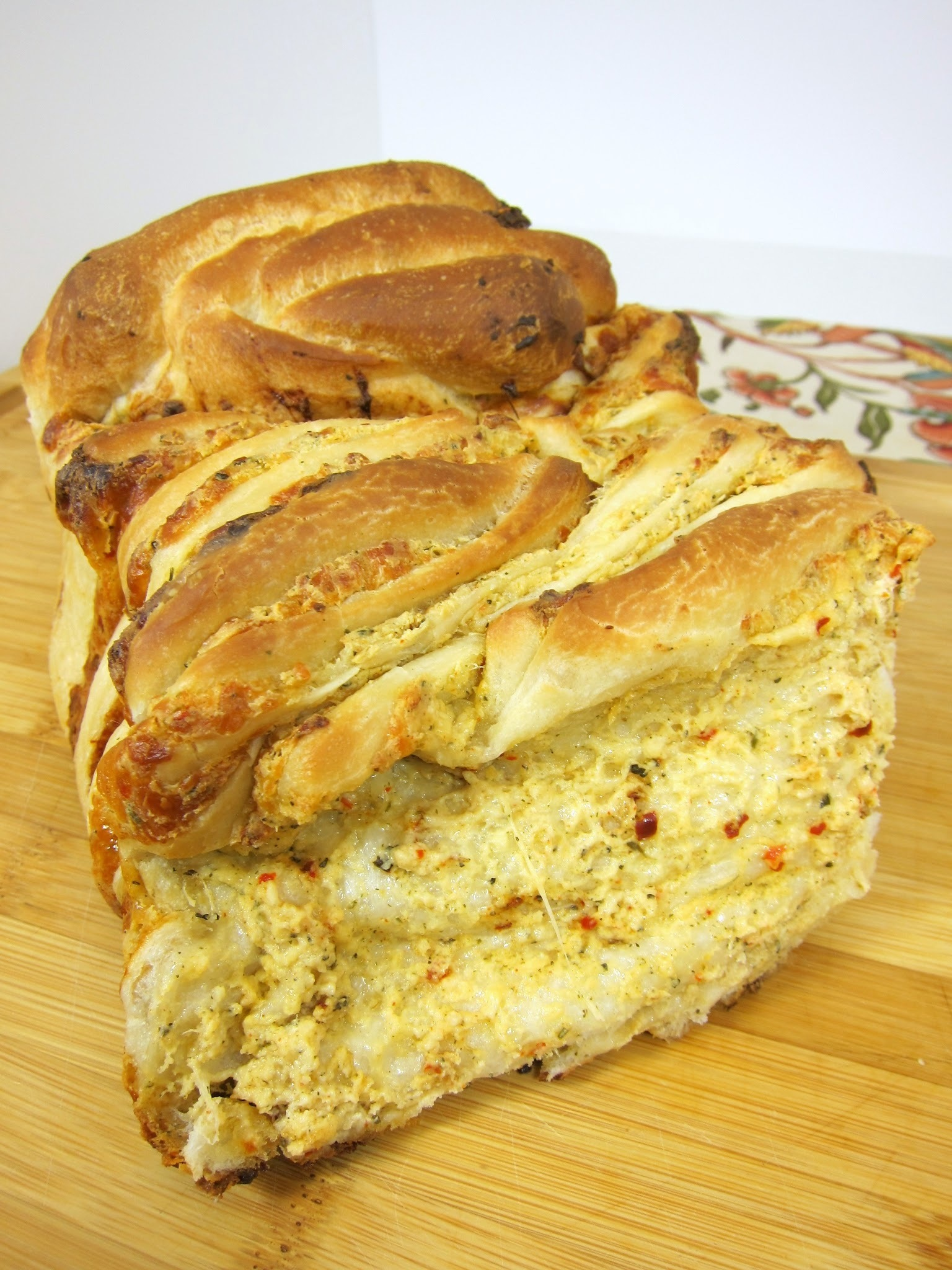 Cheesy Garlic Pull Apart Bread - Rhodes Guest Post