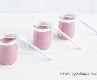 Yogur griego con frutos del bosque