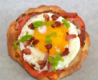 Eggs in Puff Pastry with Cheese and Bacon