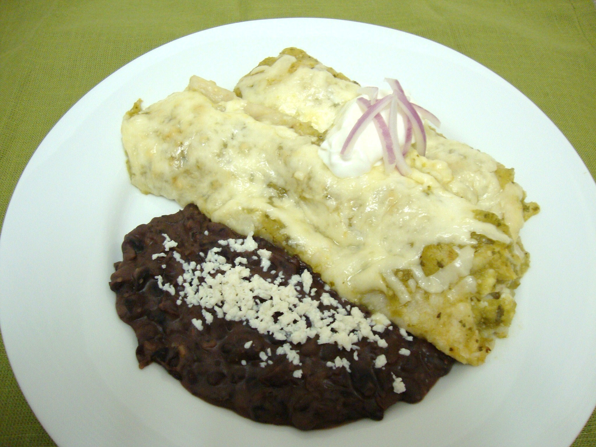 Chicken Enchilidas with Green Sauce
