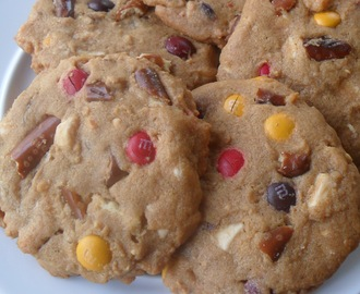 Salty-Sweet Peanut Butter Cookies...Upcoming Tasty Giveaway