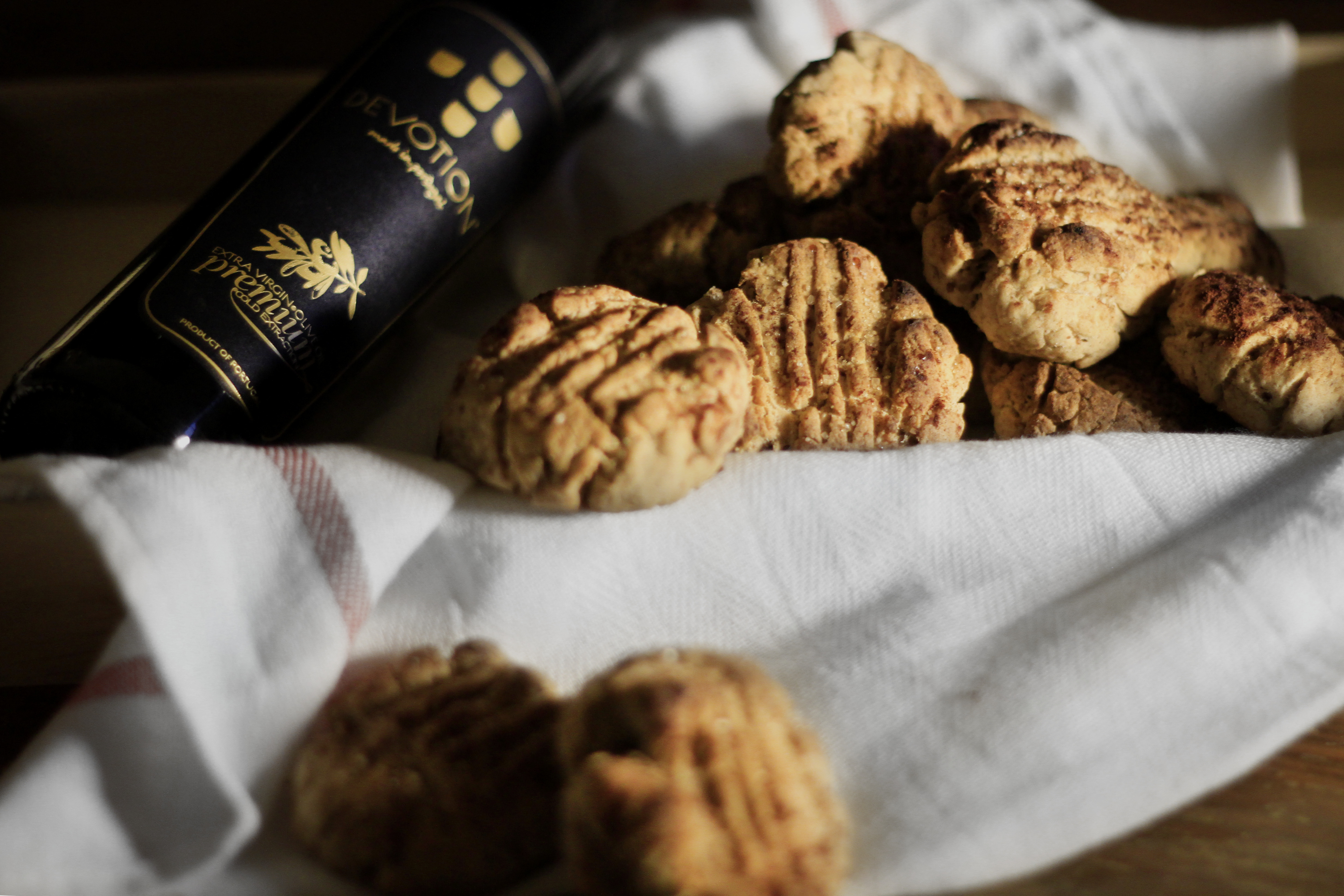 Biscoitos de Azeite e Erva-Doce {Olive Oil and Fennel Biscuits}