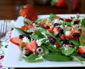 Strawberry, Spinach, and Blue Cheese Salad