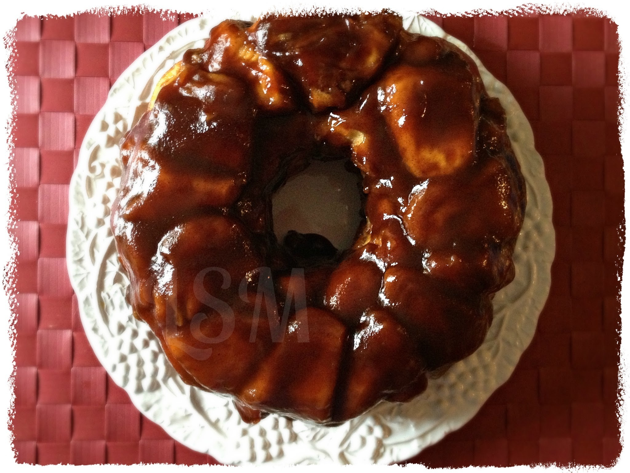 Apple Butter Monkey Bread and a Musselman's Giveaway!