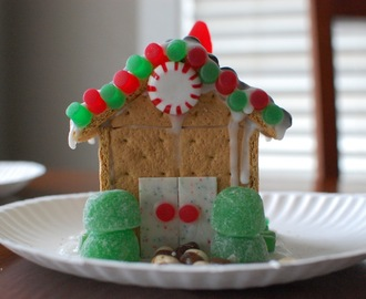 Weird News and Graham Cracker Gingerbread Houses