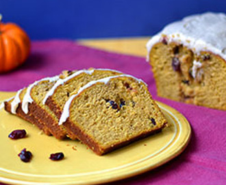 Pumpkin Pound Cake with Cinnamon Cream Cheese Frosting