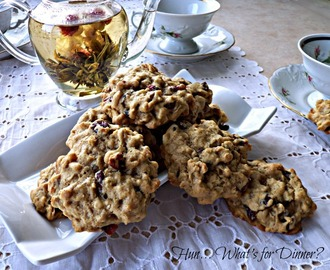 Gingerbread Oatmeal Cookies with Cranberries and Walnuts