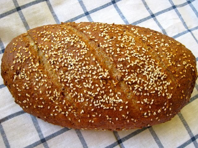 GERMAN MANY SEED BREAD