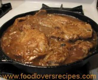 PORK CHOPS IN A THICK SAUCE