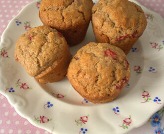 Recipe: Vegan Balsamic Strawberry Muffins
