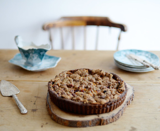 Apple & Gingerbread Streusel tart / Tarte de maça, com base e streusel de gingerbread.