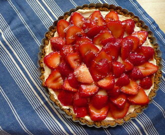 Strawberry, Mascarpone & Gingersnap Tart
