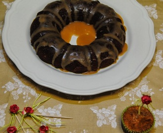 BUNDT CAKE DE CHOCOLATE BLANCO Y CARAMELO GLASEADO