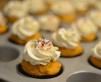 How to Make 4 Ingredient Pumpkin Spice Cupcakes