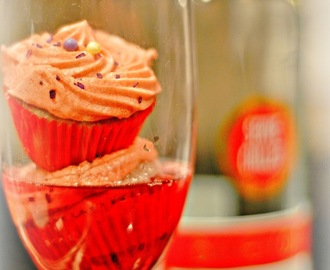 ~Sweet Red Moscato Cupcakes~