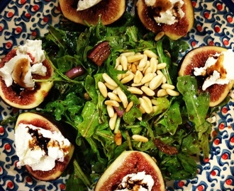 Warm figs w goat cheese and balsamic glaze