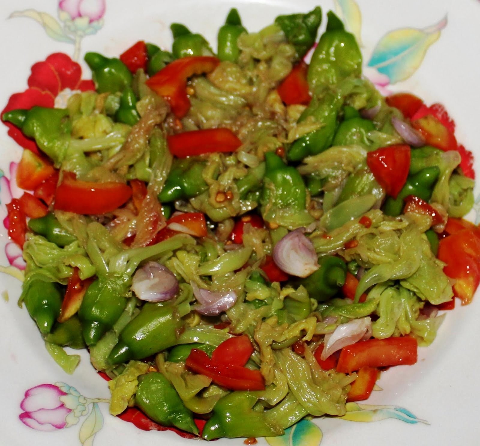Katuray Flower Salad (Salade Fleur Katuray)