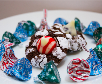 United Bakes of America Round 7 and Christmas Chocolate Crinkle Kiss Cookies!