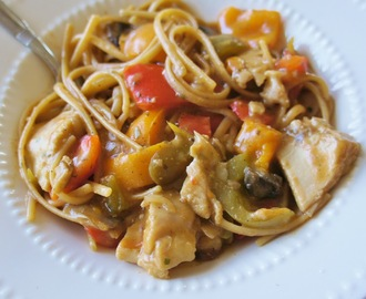 Recipe for Mushroom and Bell Pepper Chicken with Linguine in the Slow Cooker