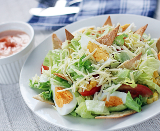 Side Salad with Pita Crisp