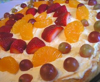 Stacey's Creamy Fruit Pizza
