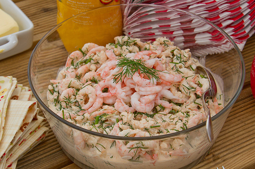 7-year itch? Nami-Nami food blog anniversary post and a recipe for a Swedish shrimp salad (Räksallad)