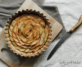 Apple Tart with Pecan Shortbread Crust