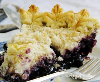 Blueberry Crumb Pie for a Wintry Weekend