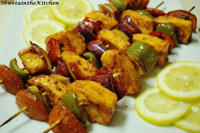 Tandoori Paneer Tikka - Barbecue Cottage cheese