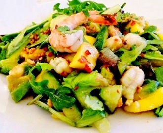 Salade Thai aux Gambas, Mangue et Avocat : la version Ultime!