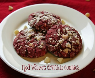 {3rd Day of Christmas} Red Velvet Crinkle Cookies