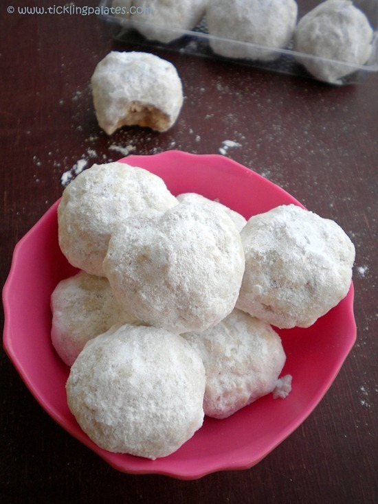 Mexican Wedding Cookies / Russian Tea Cakes / Snow Ball Cookies
