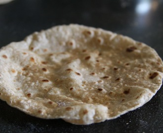 How to make Roti :: Meatless Masala Monday