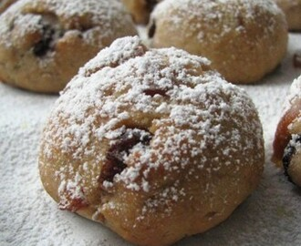 Eggless Stollen Bite With Toffee Candy
