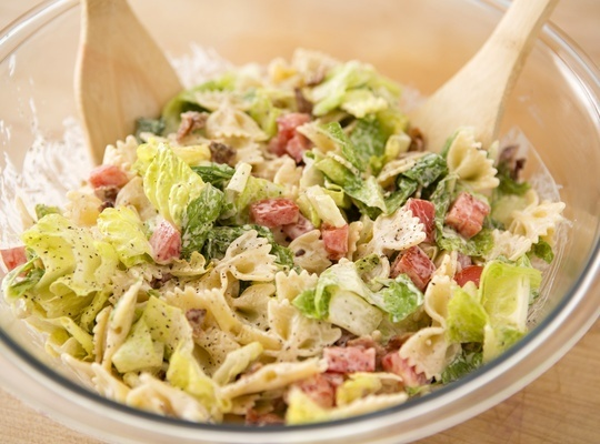 How to Make a BLT Pasta Salad