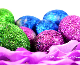Making Glitter Easter Eggs With The Kids