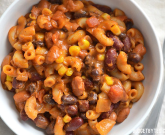 Cheesy Vegetarian Chili Mac