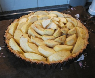 Healthy Apple Pie- German style (Apfelkuchen)
