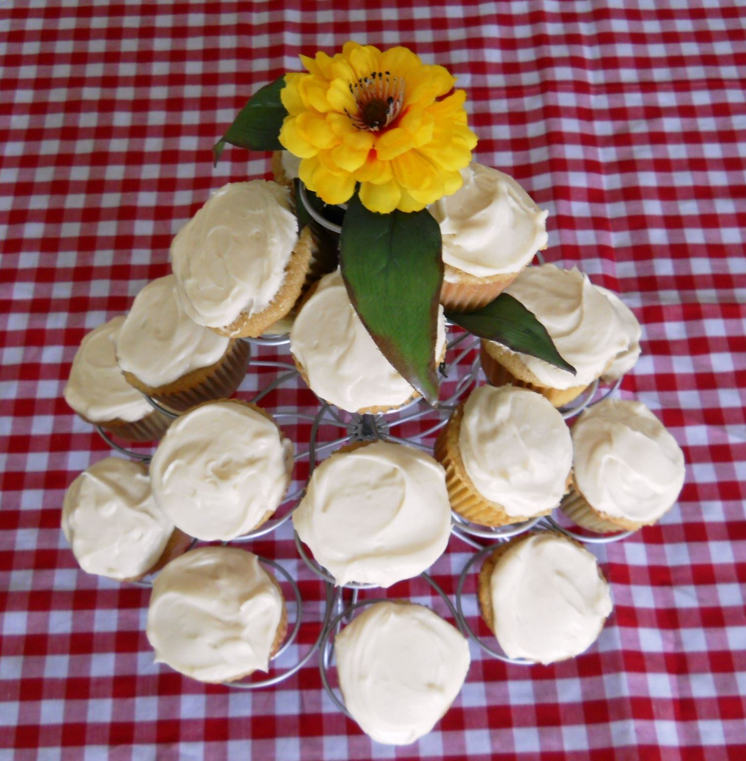 Brown Sugar Cupcakes with Cream Cheese Frosting