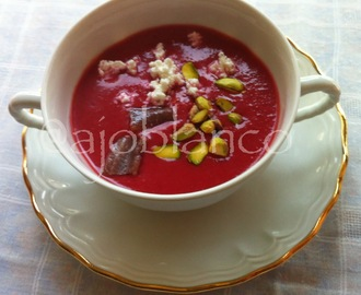 Gazpacho de cerezas, queso fresco y anchoas {Cherry gazpacho, cottage cheese and anchovies}   #elsaltablogs