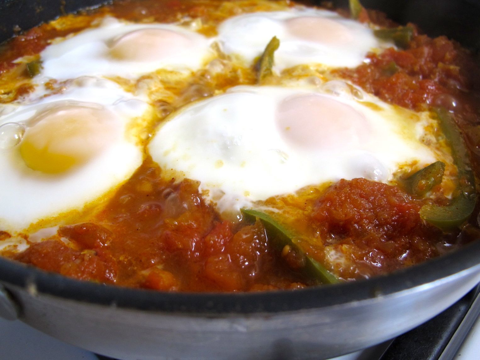 Parsi Tomato-Poached Eggs