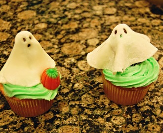Marshmallow Fondant and Ghost Cupcakes