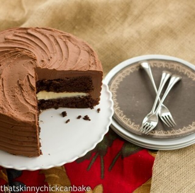 Chocolate Layer Cake Filled with White Chocolate Ganache~