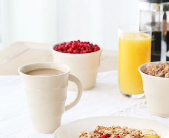 A healthy start to your day: buttered apple oatmeal porridge
