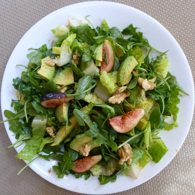 Fresh Figs With Arugula And Romaine - Raw Vegan And Gluten Free