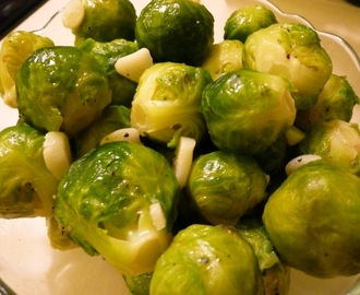 Simple Vegan Brussels Sprouts With Garlic