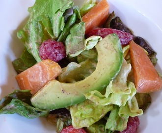 Raw Fruit and Greens With Papaya Seed Dressing. The Health Benefits Of Papaya.