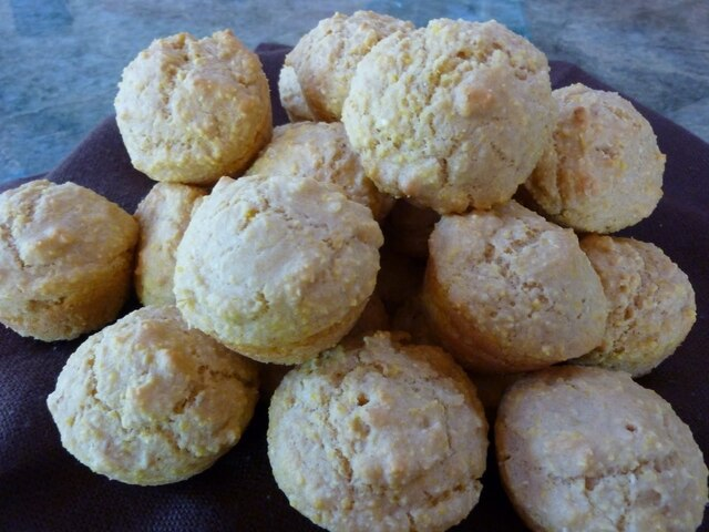 Sugar Free Miniature Whole Grain Corn Muffins with Stevia - Vegetarian and Vegan Recipes